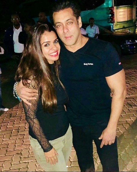 Inside pictures from Salman's birthday bash