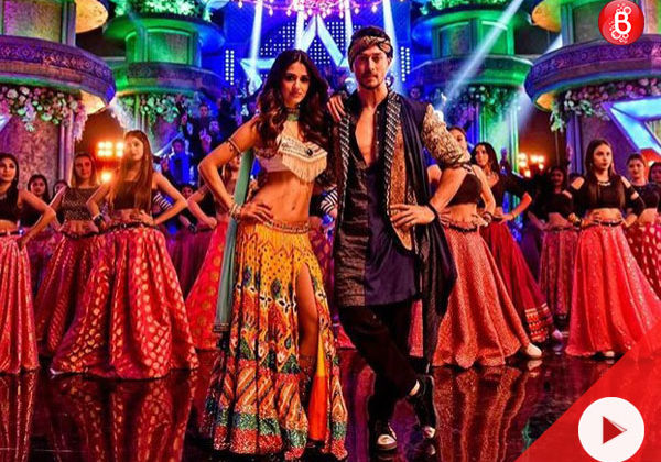 Watch: Disha Patani steals the show from Tiger Shroff in 'Mundiyan' from 'Baaghi 2'