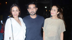 WATCH: Malaika Arora's dinner outing along with Amrita Arora and Shakeel Ladak
