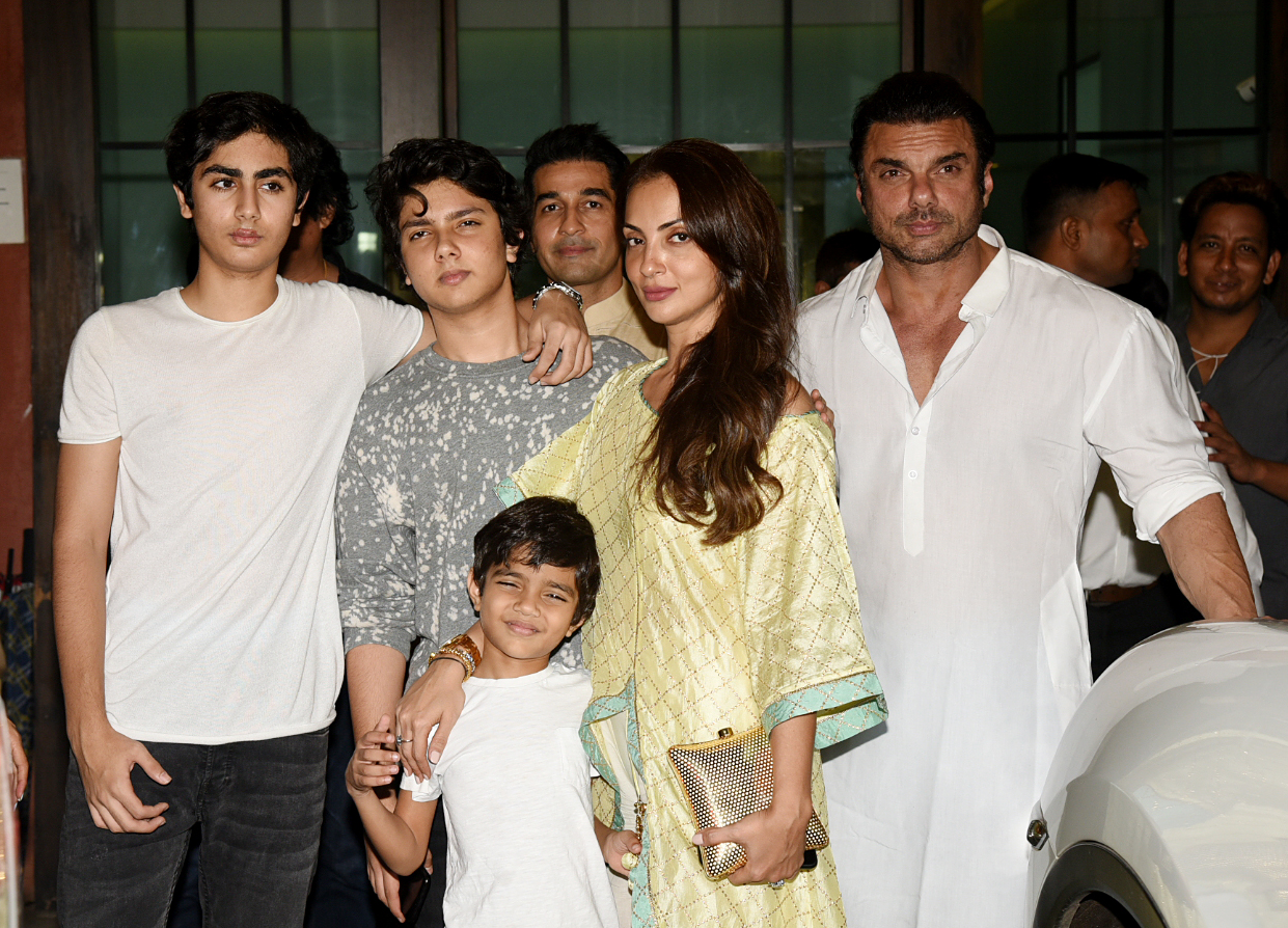 Sohail Khan with wife and kids
