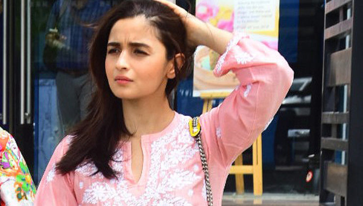 OOTD: Alia Bhatt's easy-breezy outfit is apt for a lunch date with mommy!