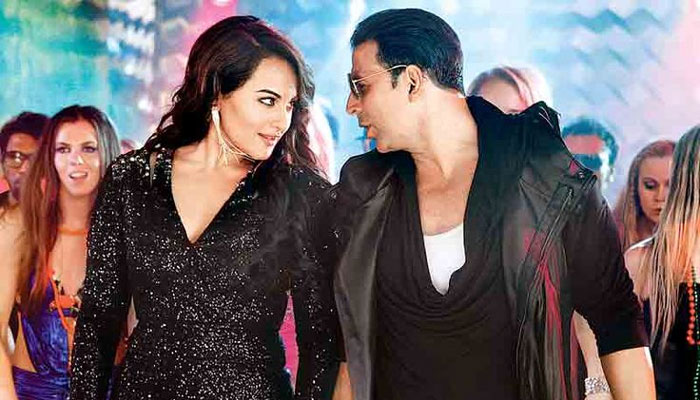 Sonakshi Sinha and Akshay Kumar in 'Boss'