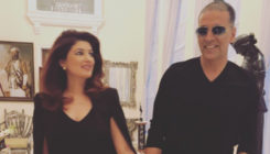 Twinkle Khanna wants hubby Akshay to look at her the way he looks at this...