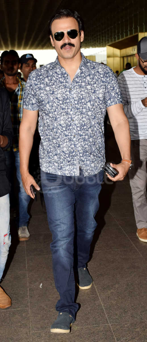 Bollywood Celebs Aiport Spotted August 73
