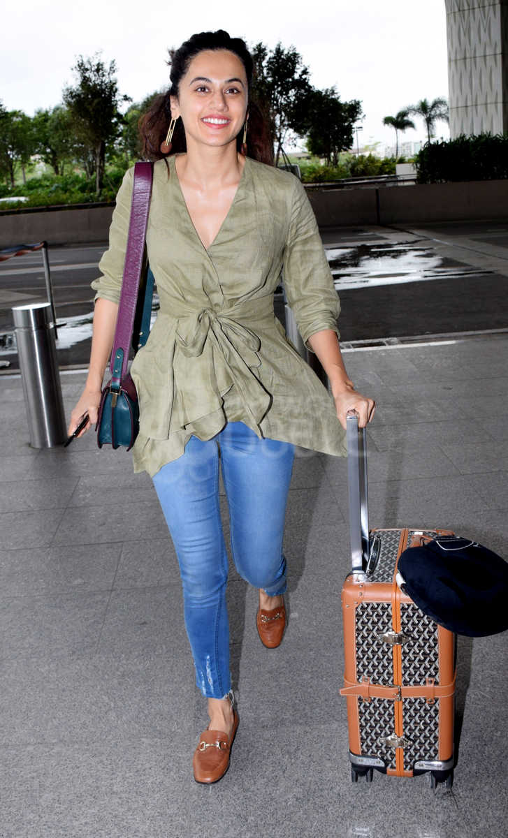 Bollywood Celebs Aiport Spotted August 74