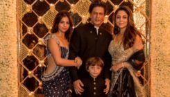 Shah Rukh Khan misses 'lil Aryan' as he poses for a family photo with Suhana, AbRam and Gauri