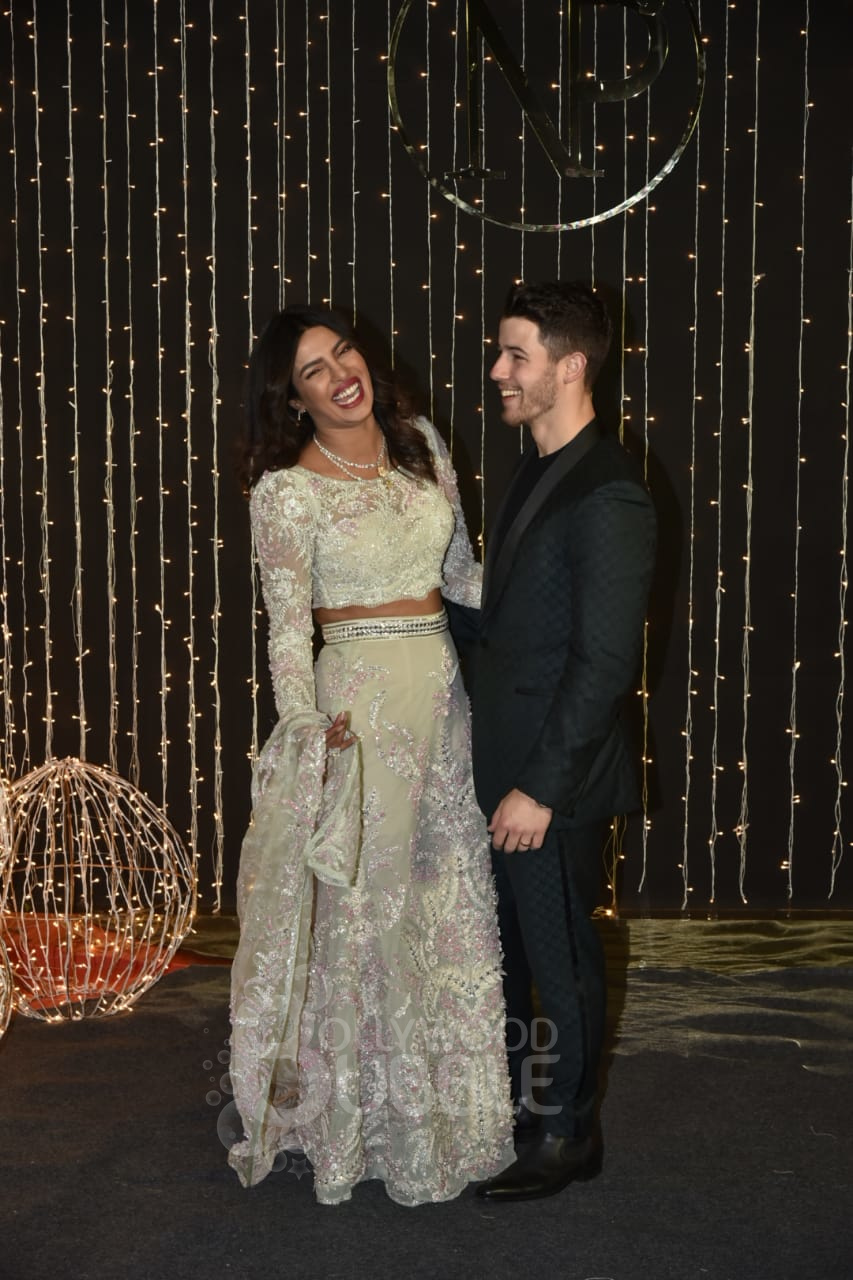 Priyanka laughs her heart out