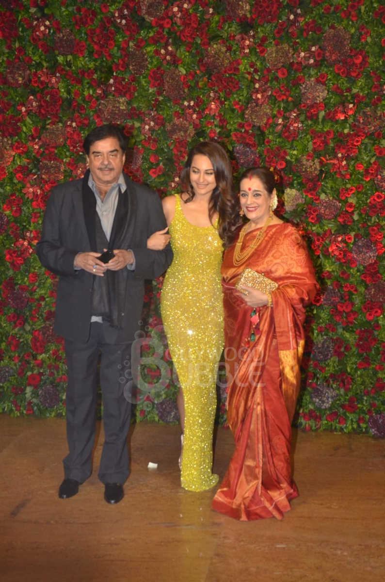 Shatrughan Sinha with Sonakshi and Poonam