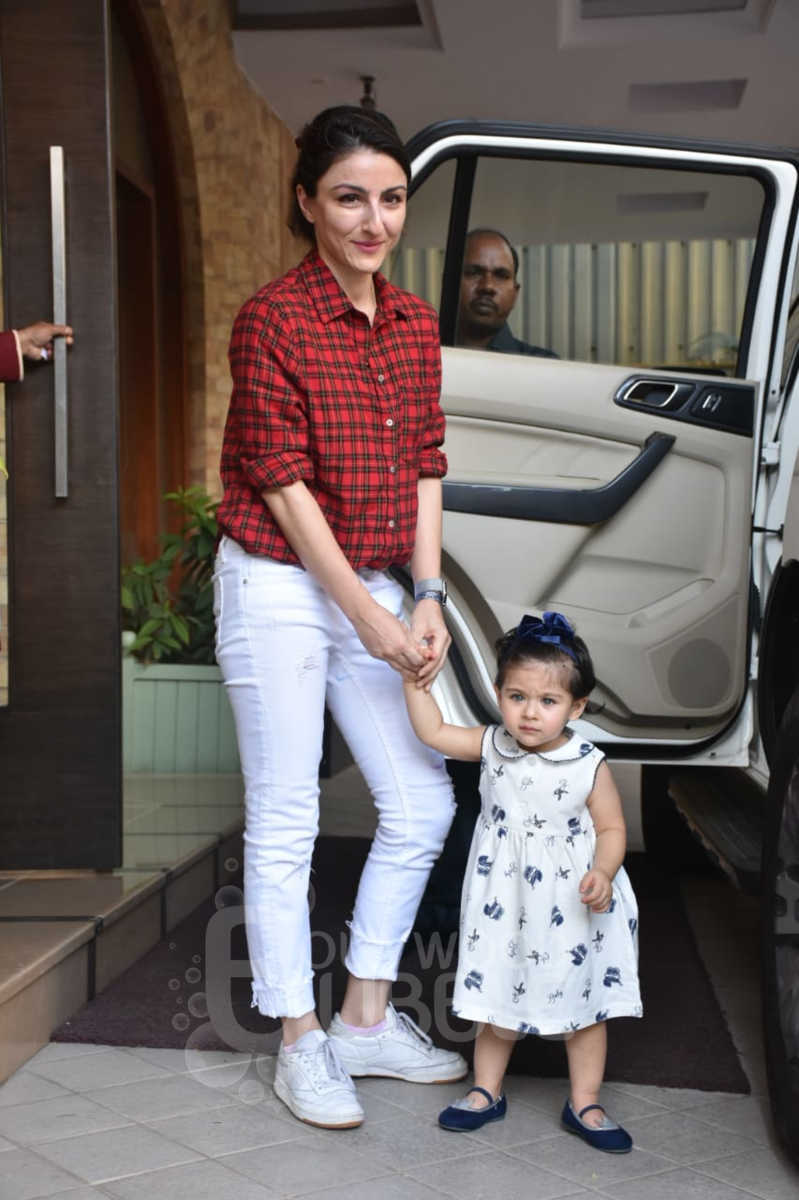 Soha Ali Khan with daughter Inaaya