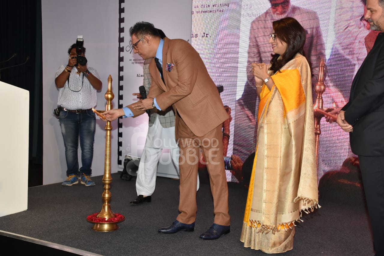 Boman Irani lighting the lamp