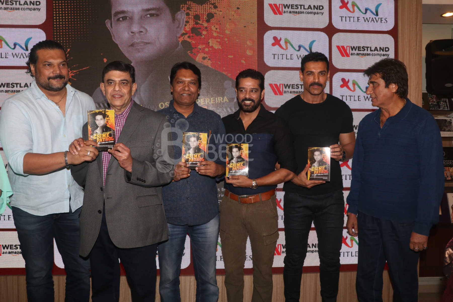 John Abraham along with Annup Sonii and the cast of 'CID'