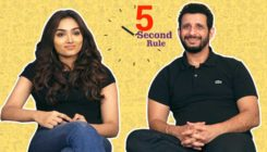 Watch: The 'Kaashi' actors Sharman Joshi and Aishwarya Devan play '5-second rule'