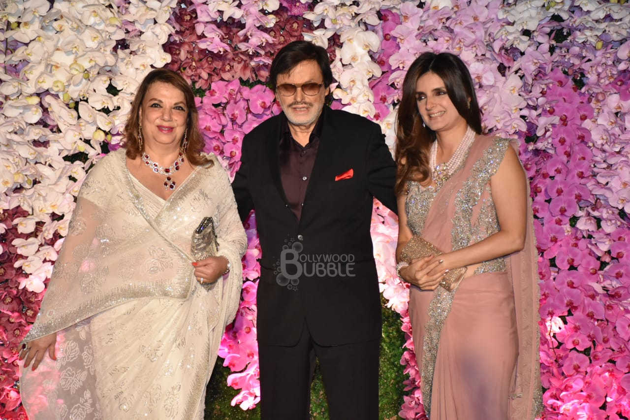 Sanjay Khan and family