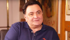 Rishi Kapoor shares an old pic of celebrating Holi with father Raj Kapoor at RK Studios