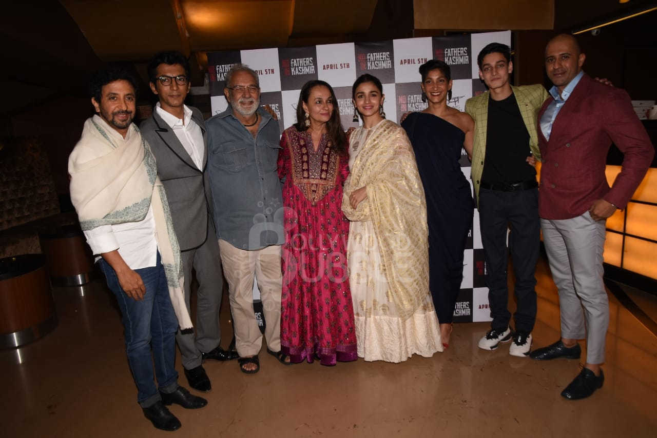 Soni and Alia with the cast and crew of 'No Fathers In Kashmir'