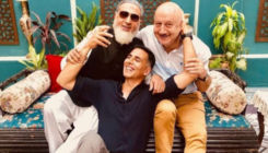 Akshay Kumar shares a pic with his friends Anupam Kher and Gulshan Grover