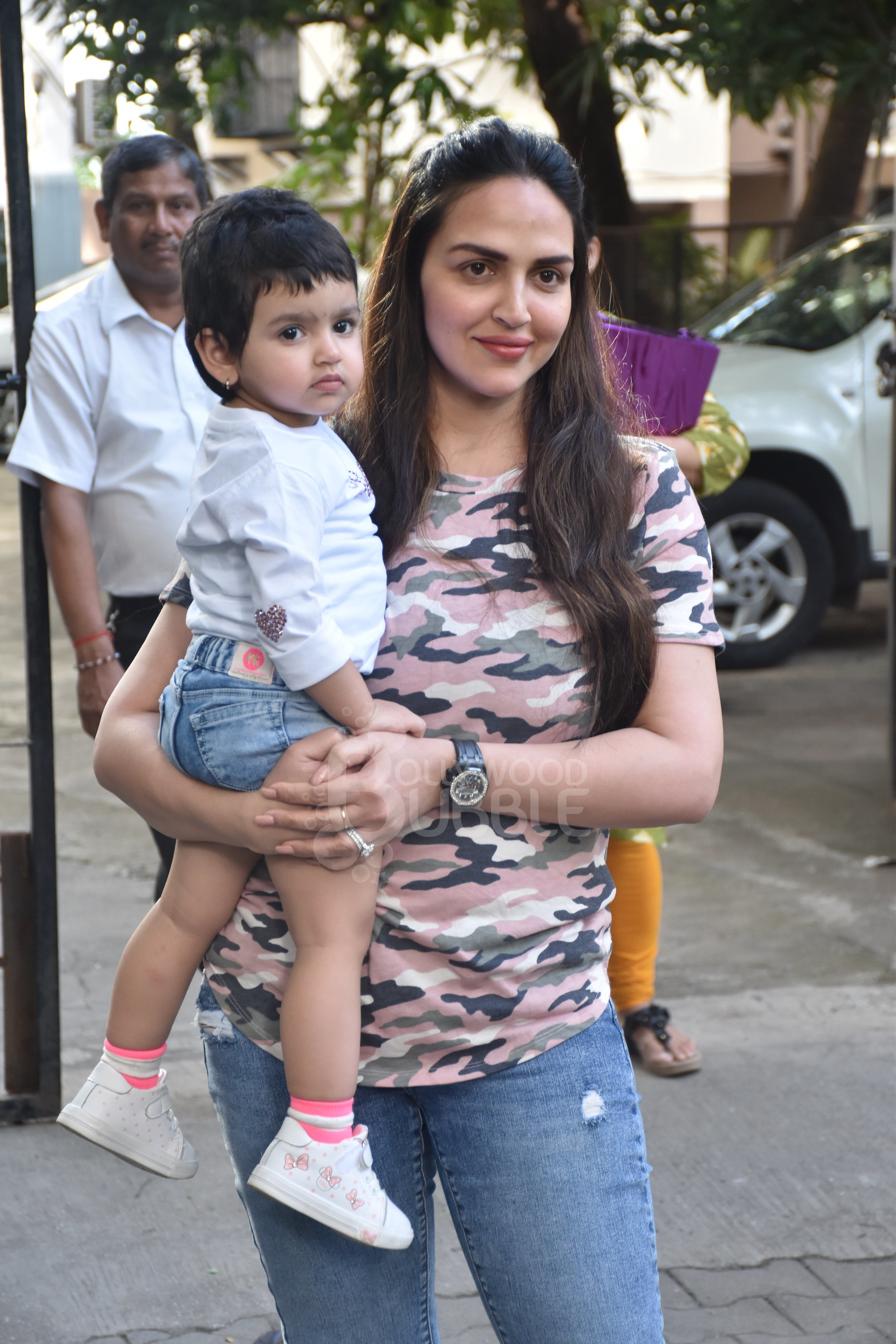 Esha Deol with daughter