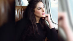 OMG! Nargis Fakhri does not wear spectacles even after having a bad eyesight
