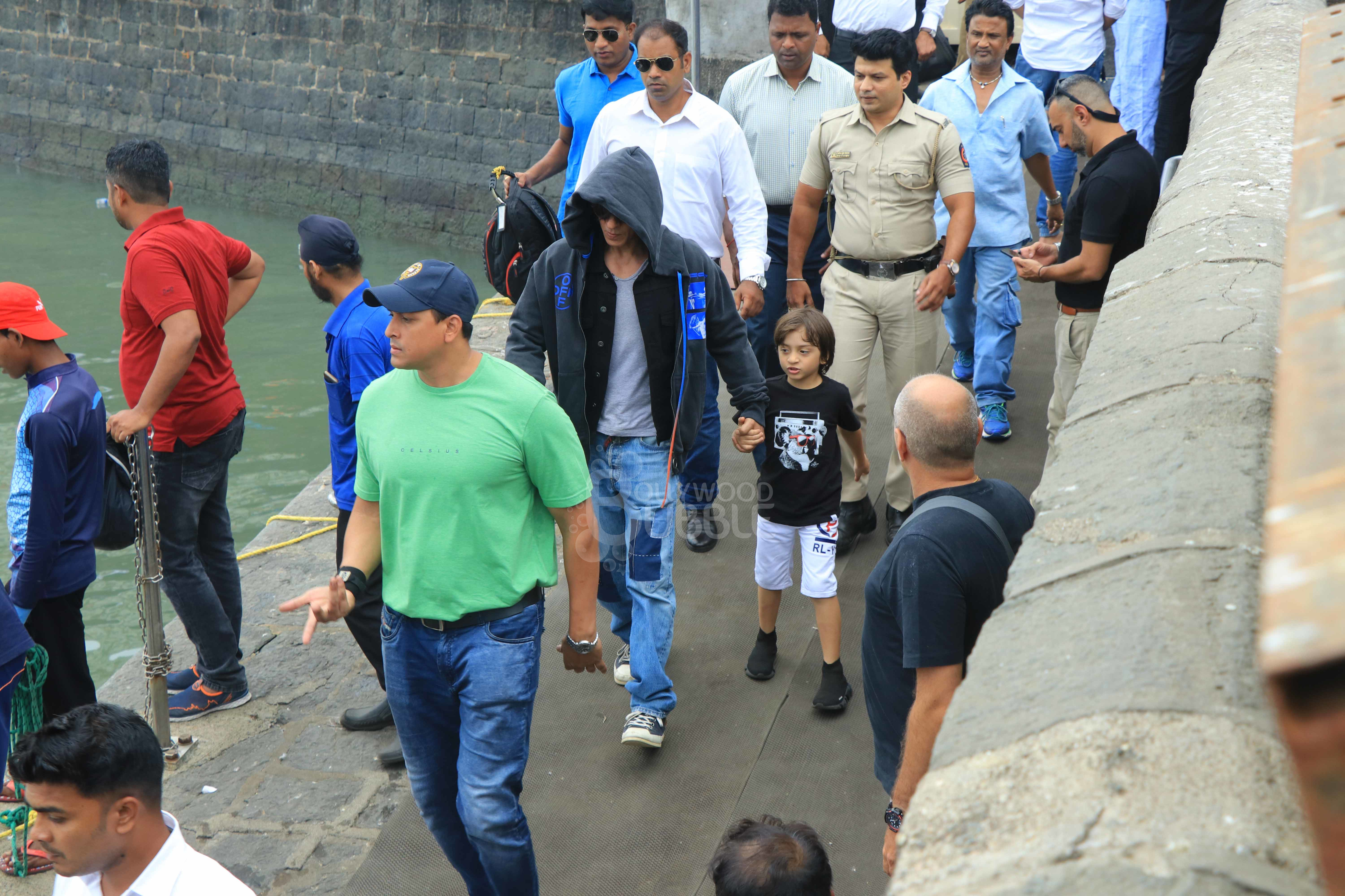 SRK with his son