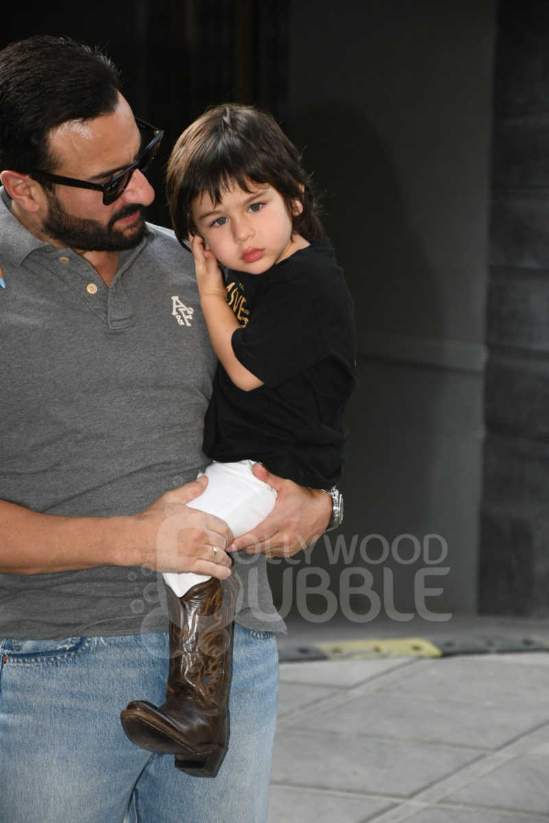 Taimur with daddy