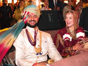 Arunoday Singh- Lee Elton Celebs who broke up 2019