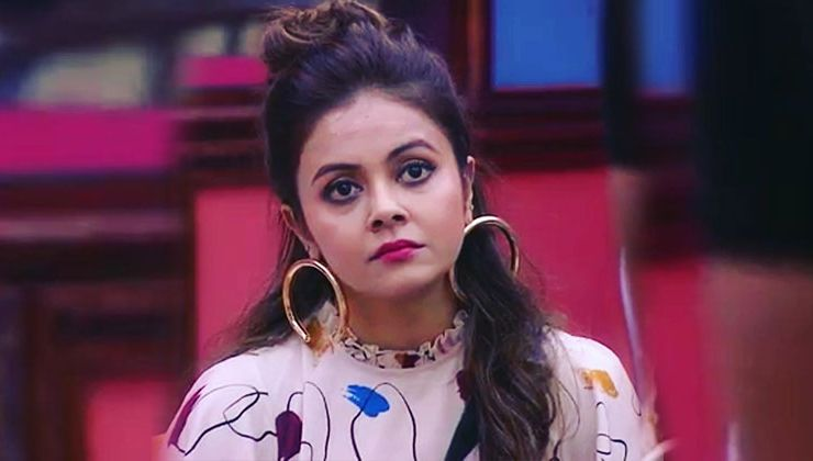 Troll calls Devoleena Bhattacharjee a 'murderer'; The actress warns of a legal action