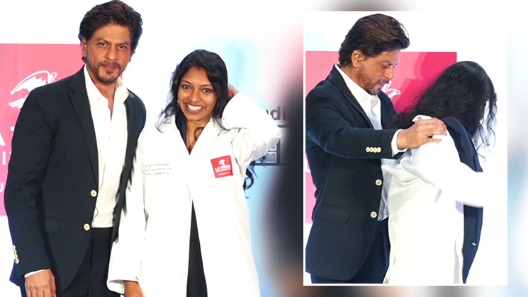 Shah Rukh Khan is a true blue gentleman and this video is proof! | Bollywood Bubble