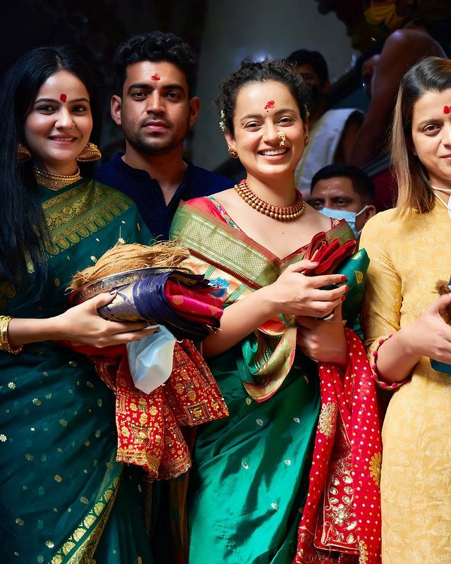 Kangana with her family