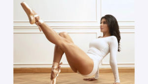 Jacqueline Fernandez poses as a ballerina; takes internet by storm