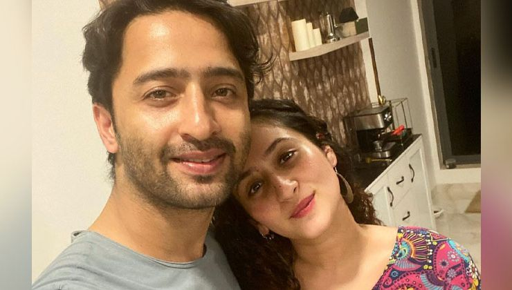 Shaheer Sheikh posts a love-soaked pic with wife Ruchikaa Kapoor; Hina Khan showers love